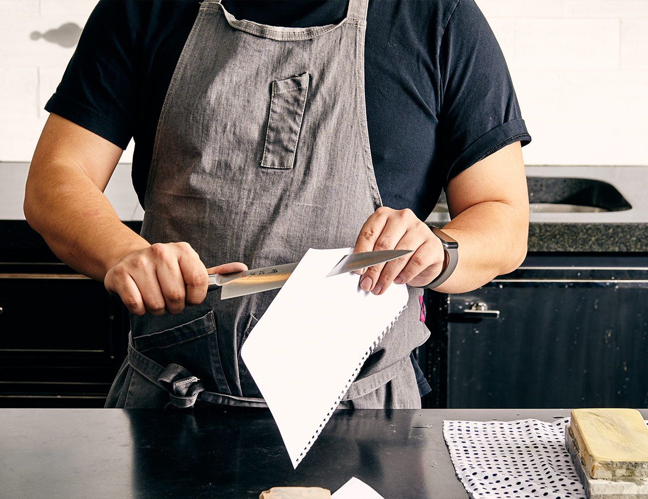 is the best way to sharpen kitchen knives how to sharpen kitchen knives the right way kitchen