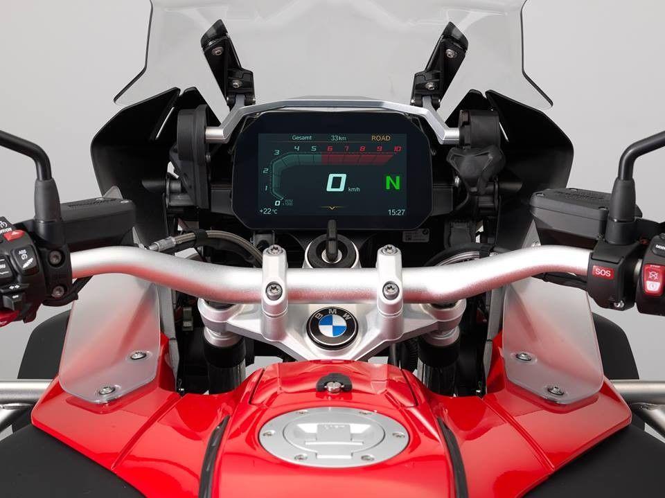 Bmw R1200gs Adventure Update Tft Dash Rallye Version Drivemag Riders Bmw Motorrad Bmw Adventure Bike