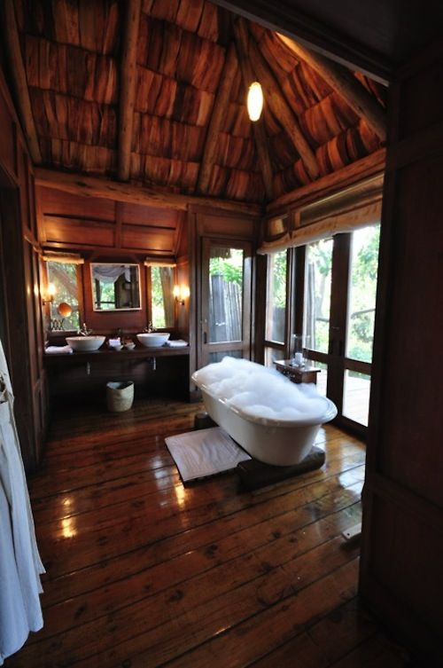 Tree house tree houses garden bathroom and house for Beautiful houses interior bathrooms