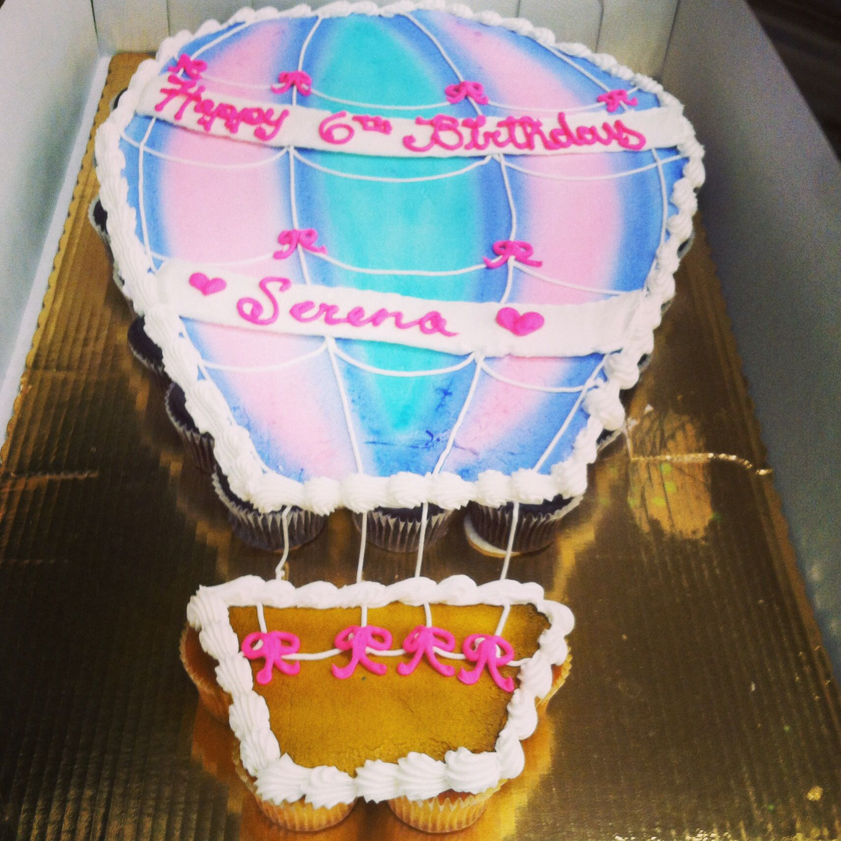 Hot Air Balloon Pullapart Cake