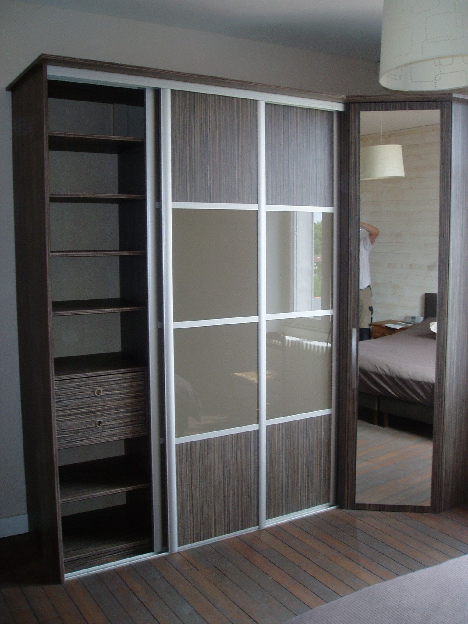 dressing sur mesure avec portes coulissantes pos et con u. Black Bedroom Furniture Sets. Home Design Ideas