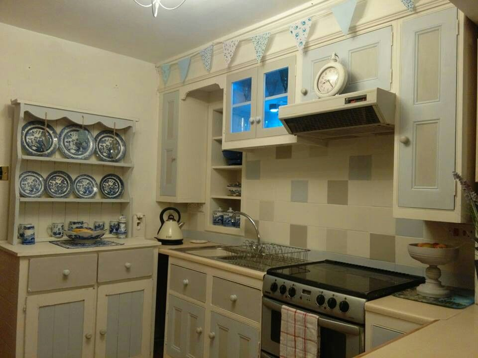 Paint Kitchen Cabinets And Tiles With Vintro Chalk Paint For An Cool Chalk Painting Kitchen Cabinets Decorating Design