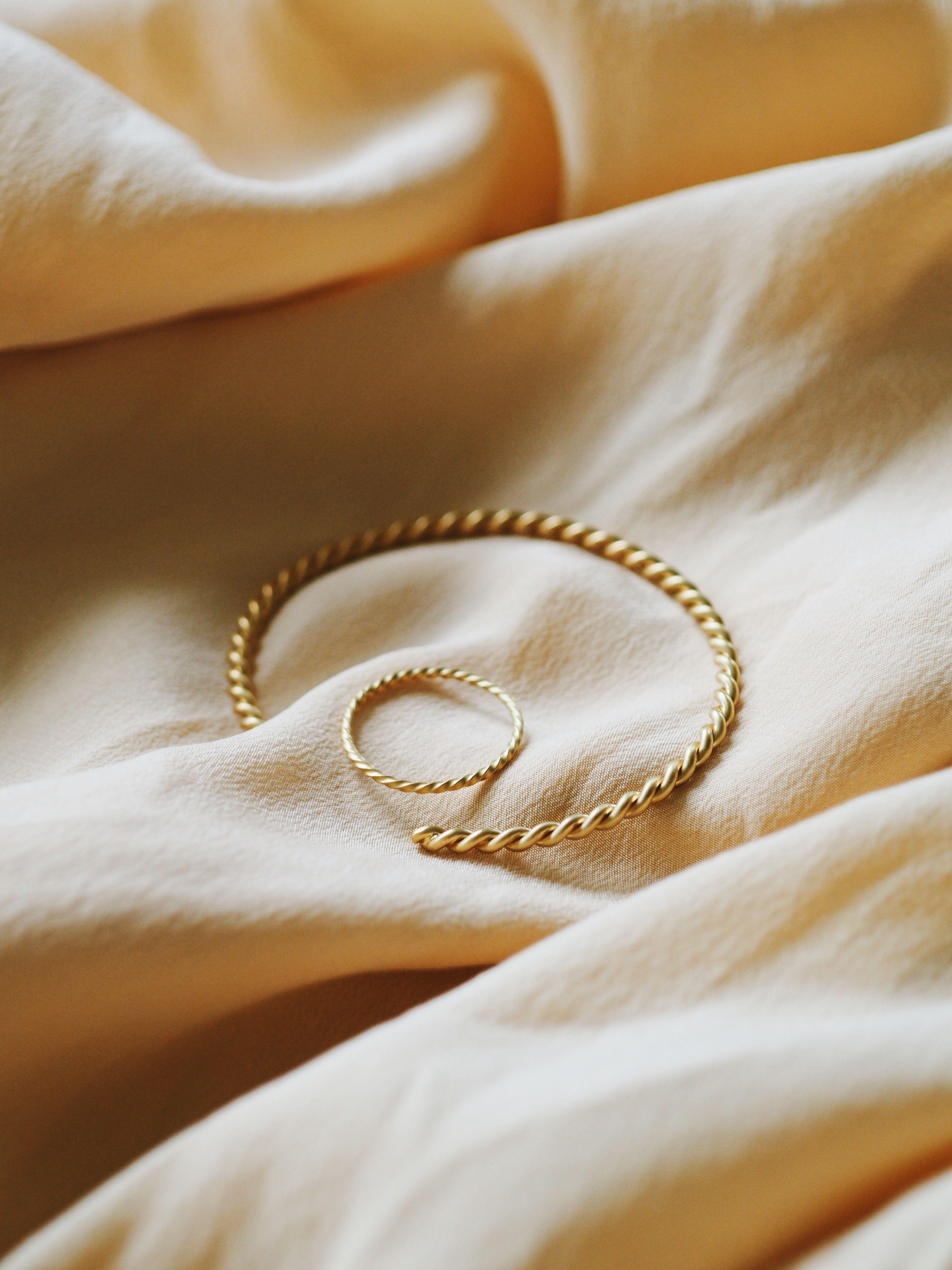 Viska gold cuff (With images) Gold cuffs, Gold bracelet
