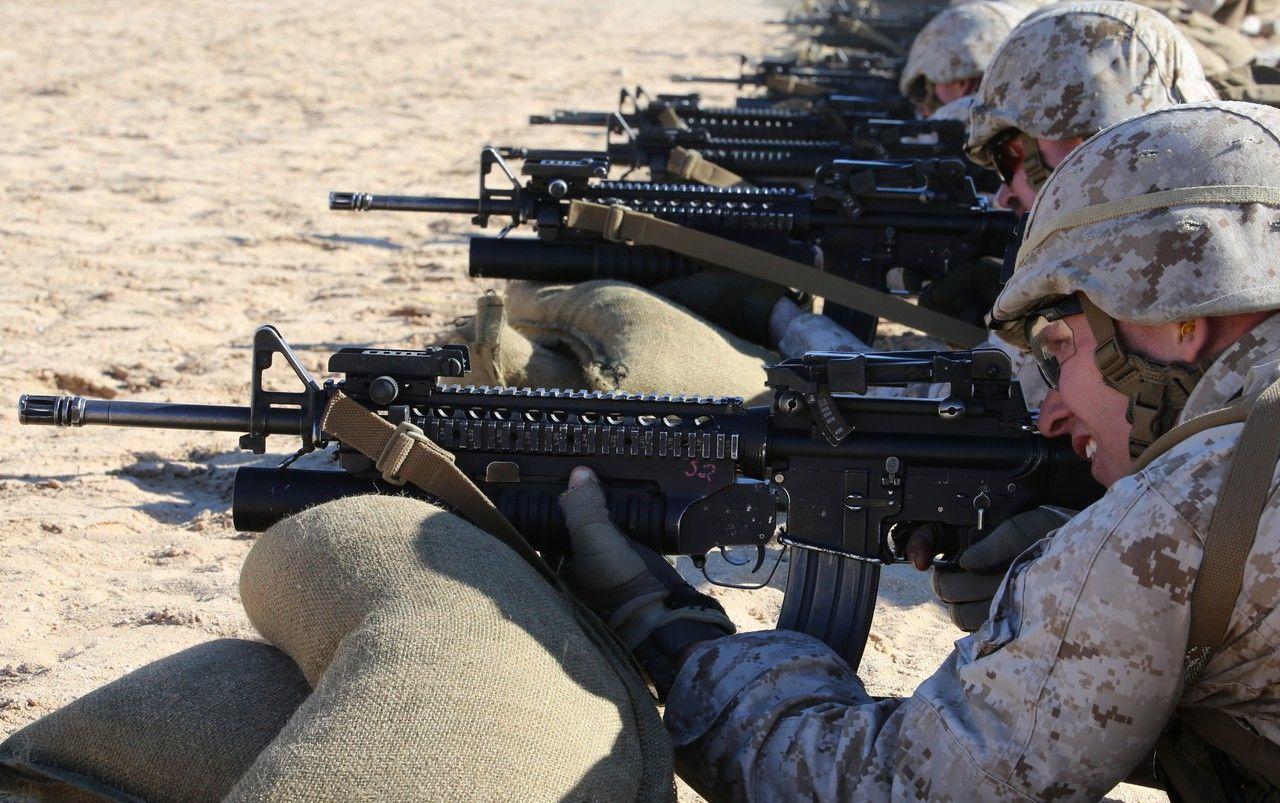 US Marines training wi...