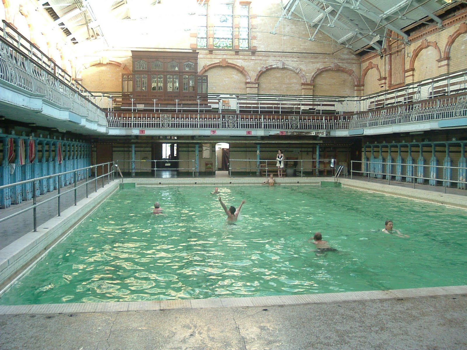 Victoria baths a part renovated edwardian leisure centre in manchester places spaces in for Gyms in manchester city centre with swimming pools