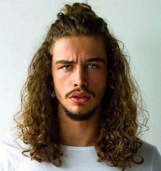Acconciature Capelli Lunghi Ricci Uomo   Long hair styles ...