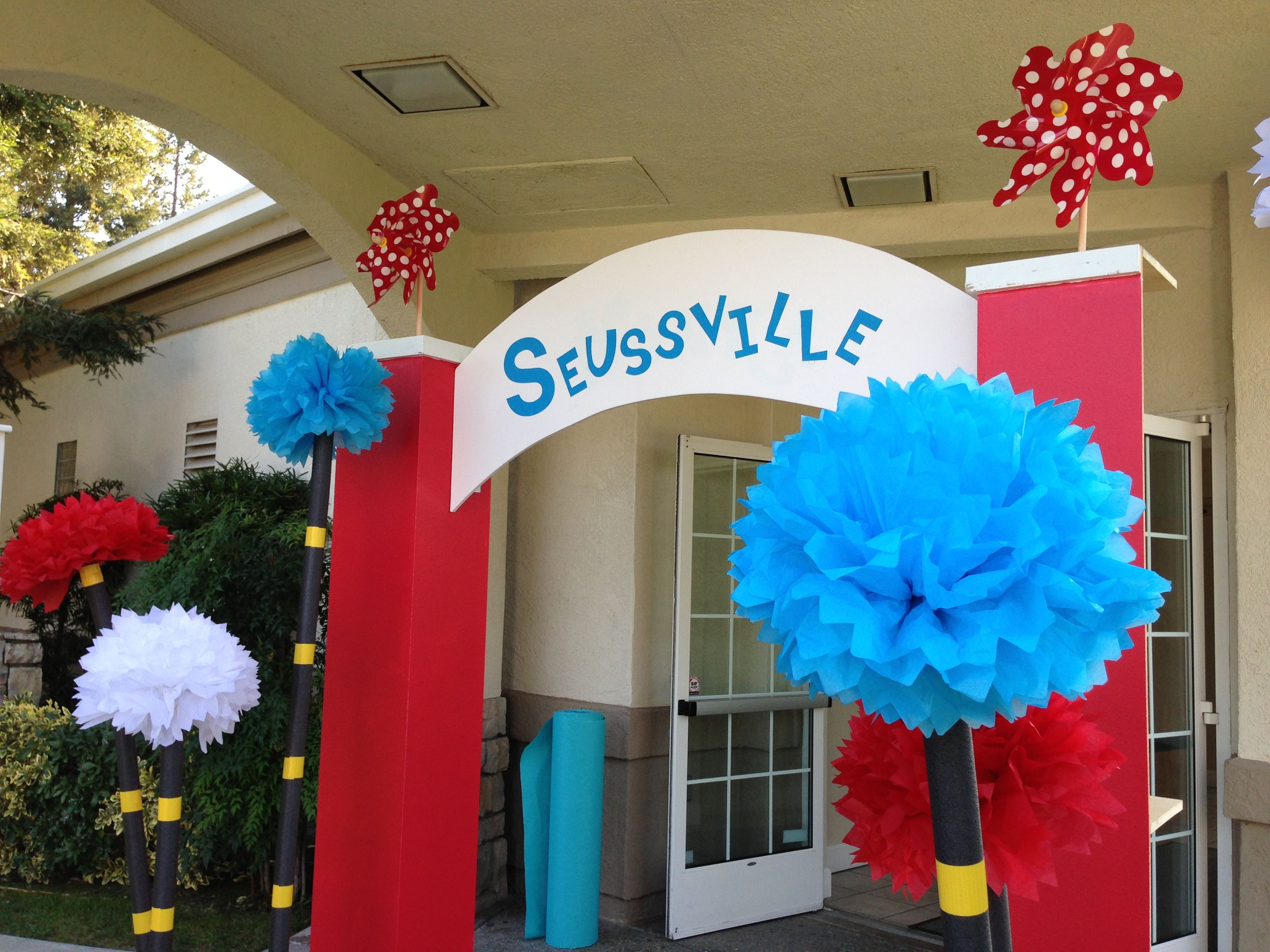 Pin By Amie Rasor On Beautiful Gatherings Dr Seuss Decorations Dr Seuss Baby Shower Dr Seuss Birthday Party