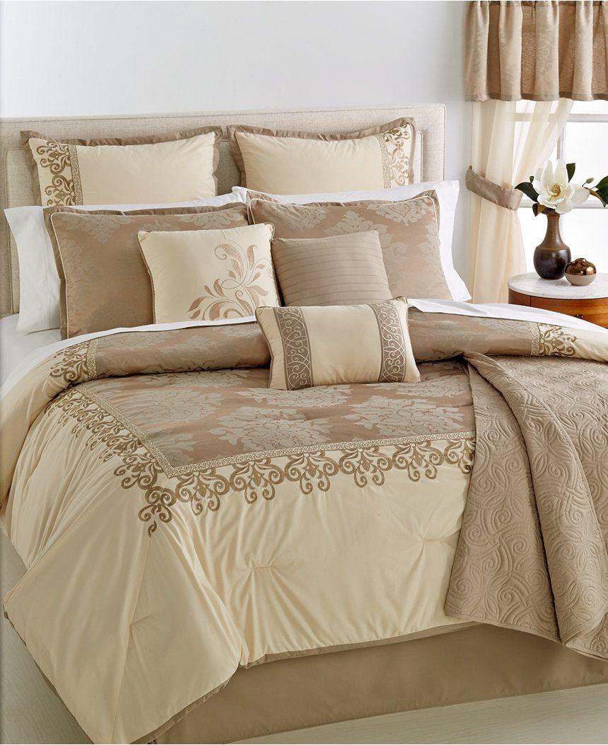 Liquidation Bedroom Furniture Liquidation Westhaven 22 Pc Reine Comforter Set Lit Dans Un