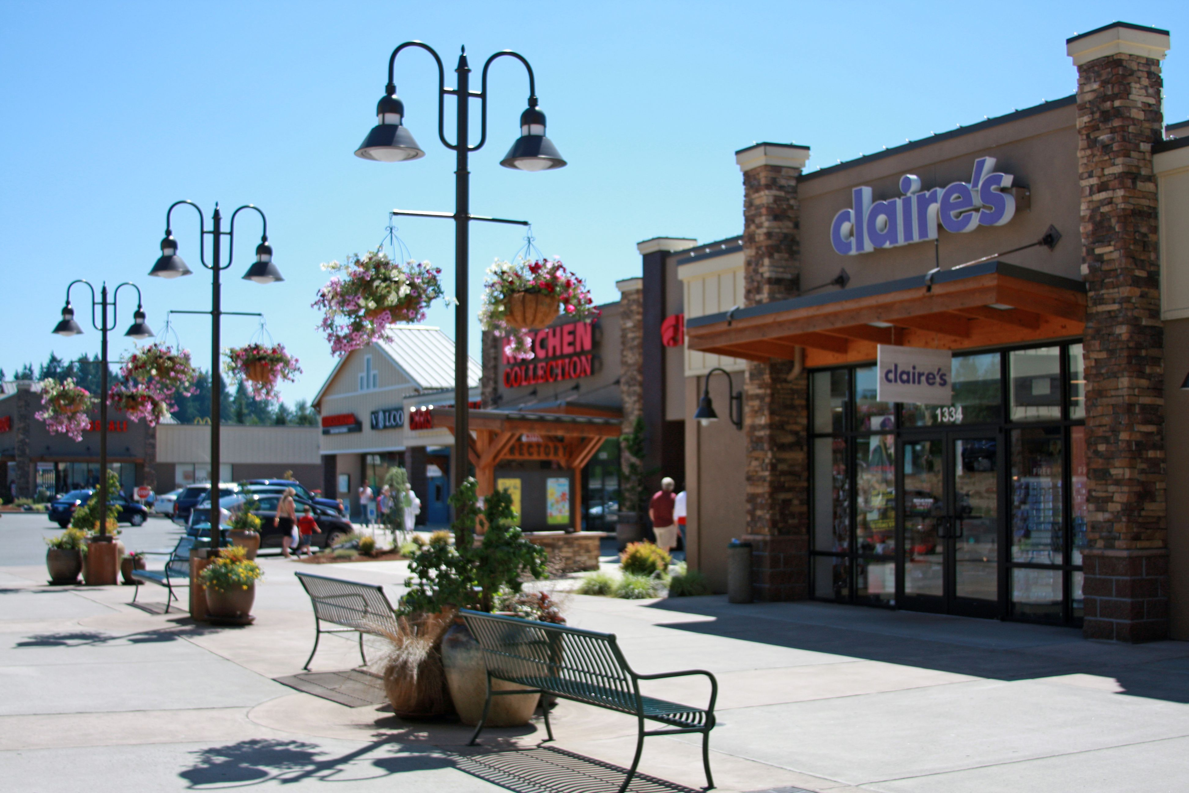 Centralia Outlets Building 3 Claire S Famous Footwear Outlet And Volcom Centralia My Home Kitchen Collection