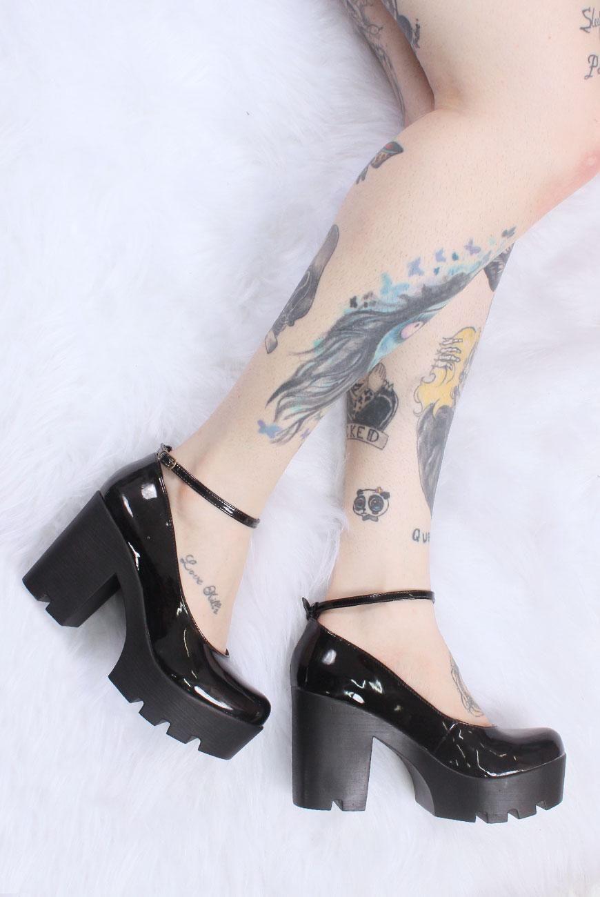 d8b2d520a5 Sapato Vegano Boneca Tratorado (Comprei) Sapato Tratorado, Tiras No  Tornozelo, Sapatos Góticos