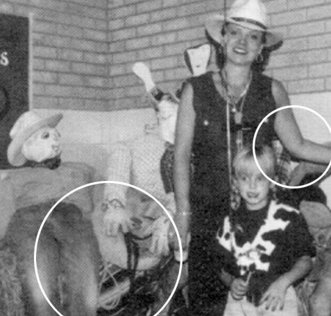 the brutal murder of jon benet ramsey on christmas night in 1996 T he brutal murder of 6-year-old jonbenet ramsey on christmas night in 1996 famous 1996 murder dec 26, 1996: jonbenet ramsey where does burke ramsey live.