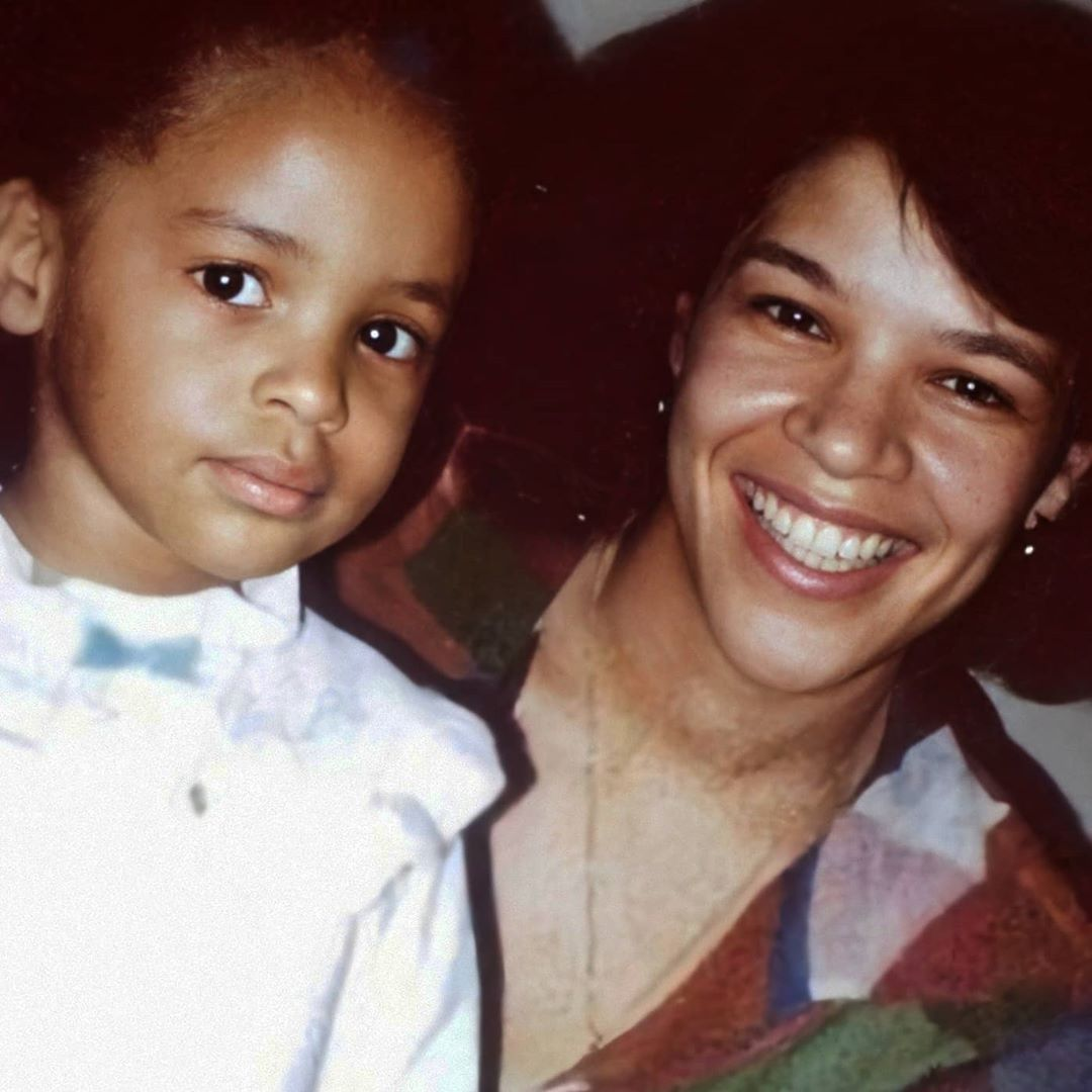 A little young baby Aaliyah with her mom 👩👧❤️😇 | Young baby, Baby face,  Aaliyah
