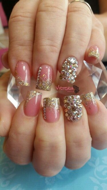 Beautiful Holiday Nails Great For Christmas And New Years Find Me