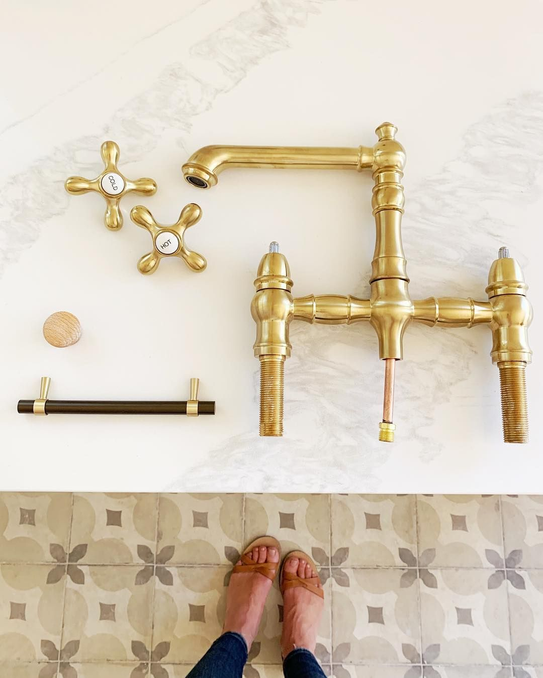 Gold Polished Pull Out Spray Kitchen Sink Mixer Tap Swivel Spout Faucet Kitchen Sink Faucets Kitchen Faucet Farmhouse Kitchen Faucet