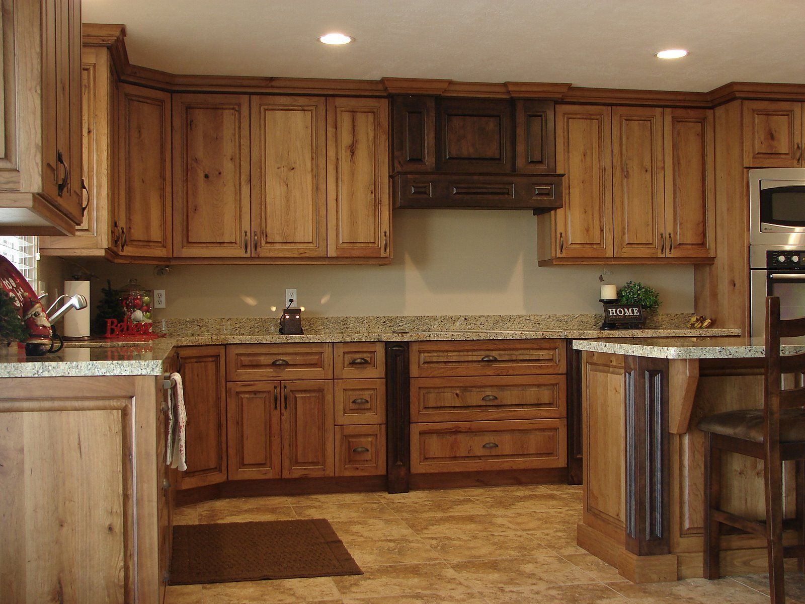 12 Exceptional Ideas Of The Cherry Kitchen Cabinets In Modern Kitchen Cherry Cabinets Kitchen Rustic Cherry