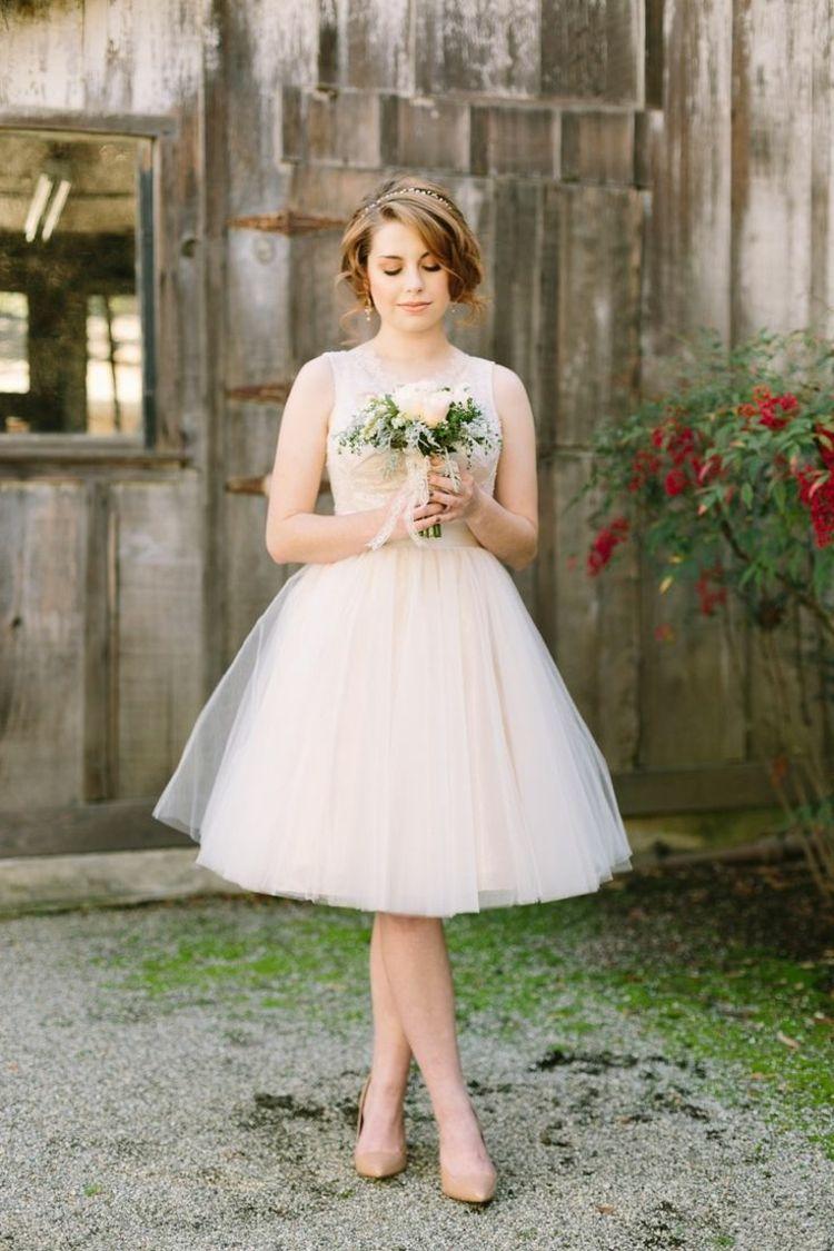 Kurzes Hochzeitskleid bis unter die Knie   ♥️M+A♥   Pinterest ...