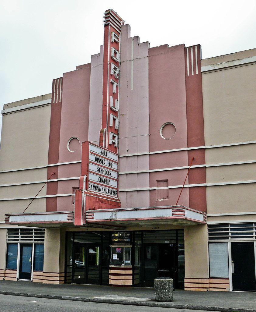 Fortuna's old movie house P1060985 Cinema architecture
