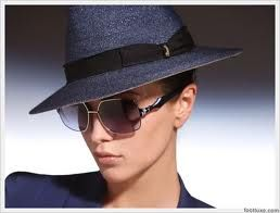 Love the sunnies and hat in this...
