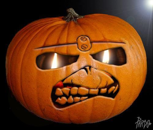 Eddie pumpkin iron maiden totally awesome