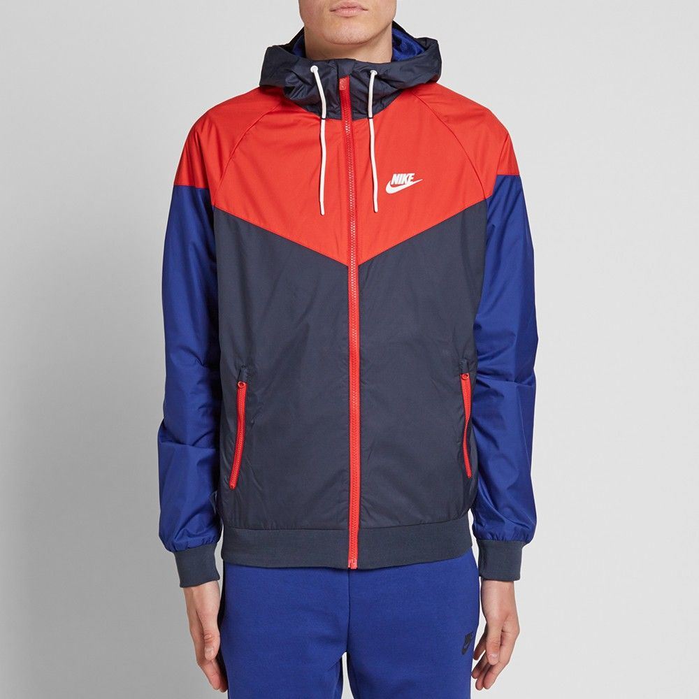Nike Bleu Marine Windrunner Et Couettes Blanches