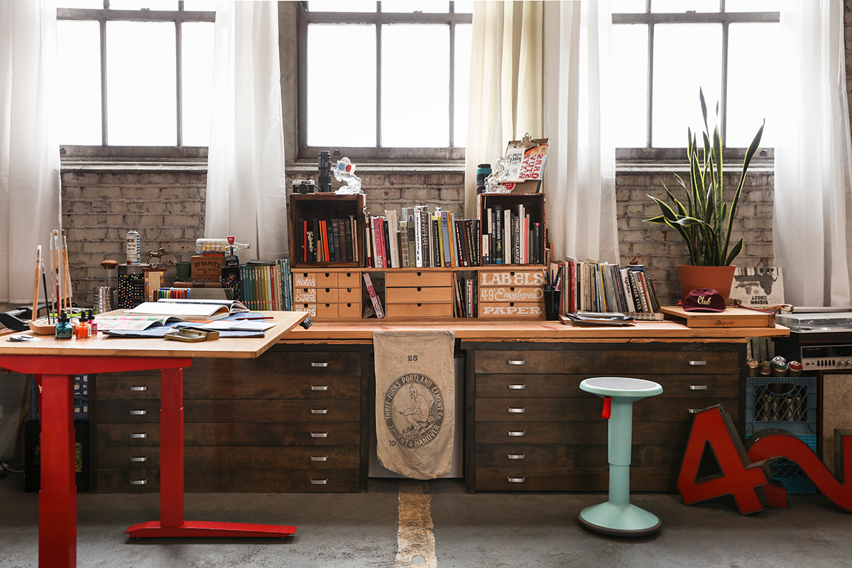 Raise Creativity To New Heights With The Jarvis Standing Desk | Fully