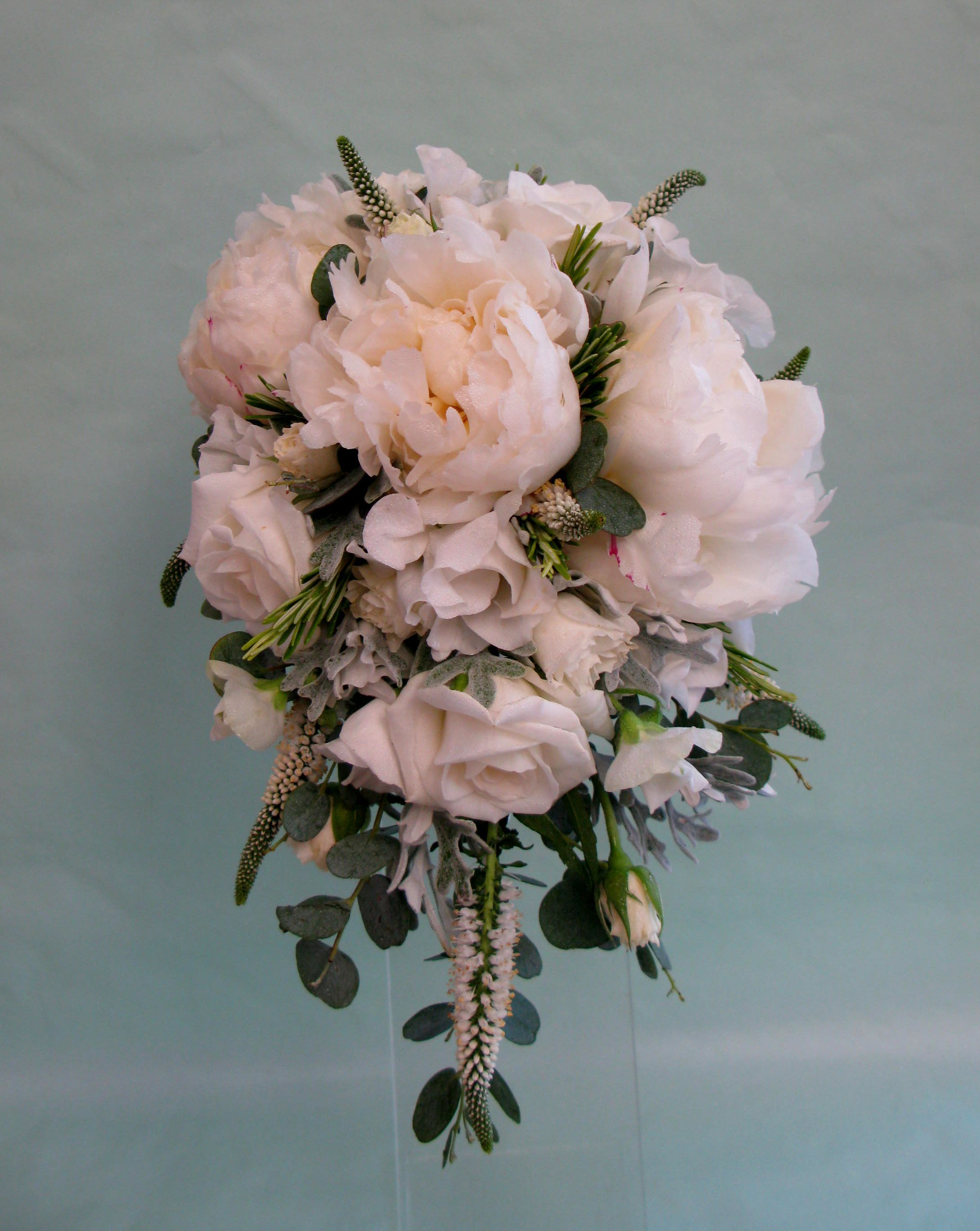 Charmant This Compact, But Elegant Shower Bouquet Shows Off The Beauty Of The Summer  Blooms.