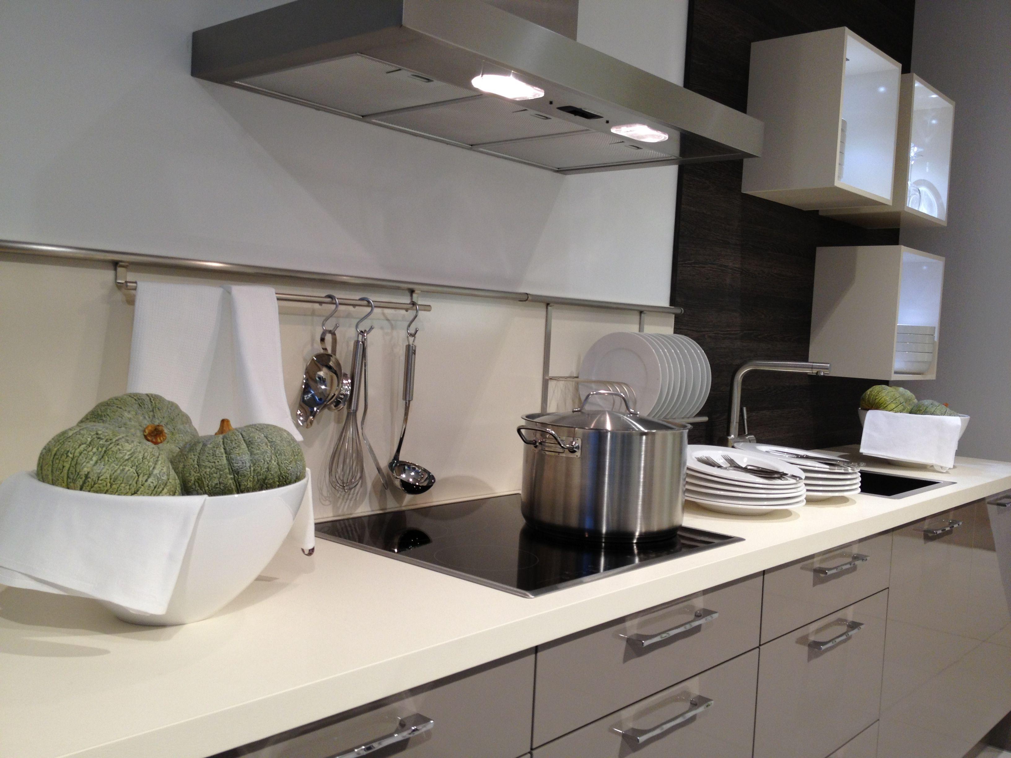 Basalt Grey Kitchen Mixed With Wenge And Magnolia Kitchen  # Muebles New Style Villa Tesei