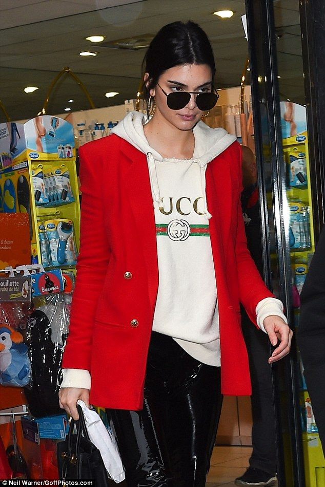 Doing what needs to be done: Kendall fit some time to pop into a gift shop during her busy day