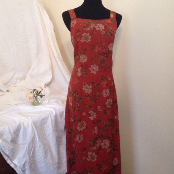 Red dress size 8 hooks