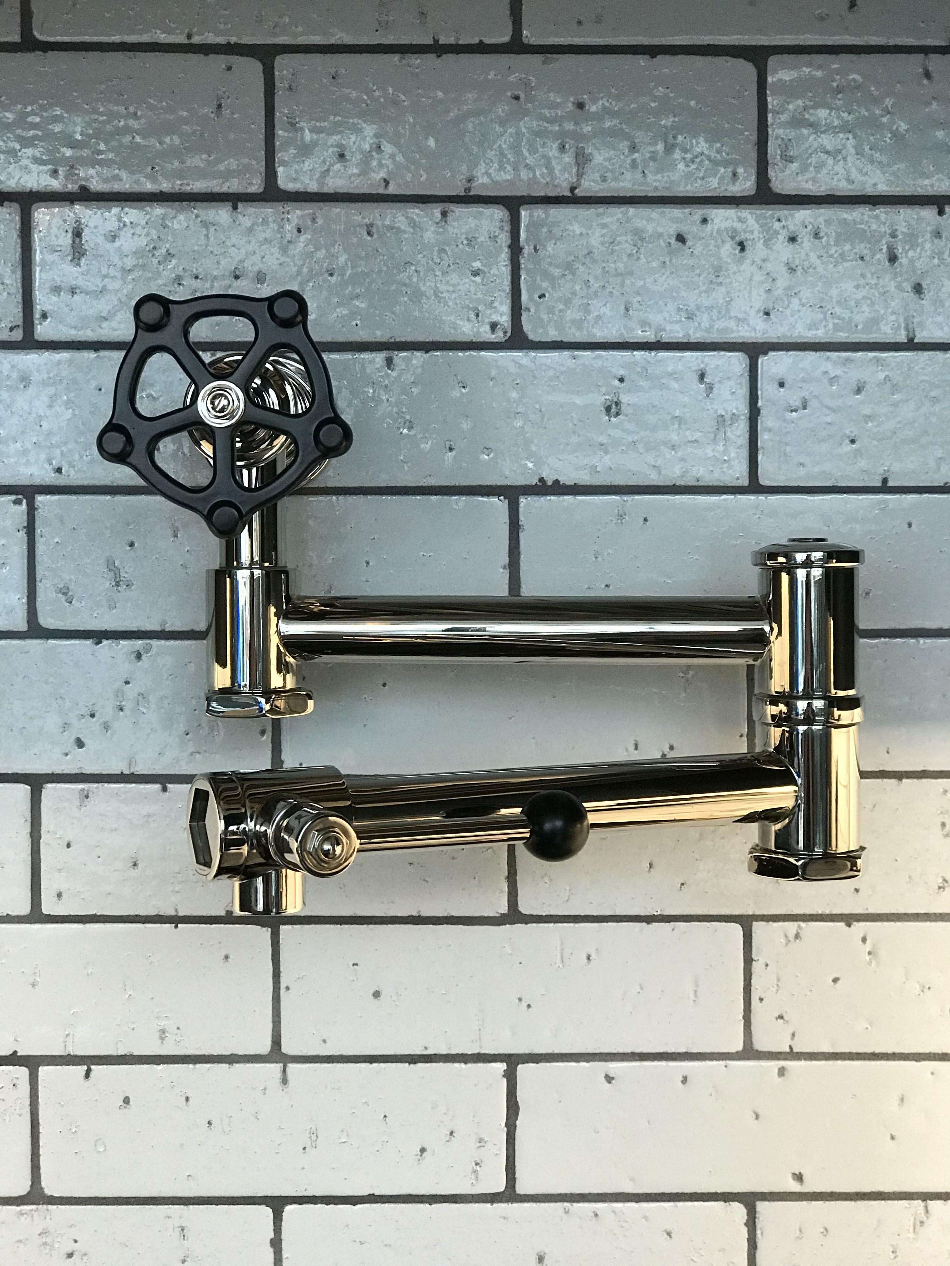 regulator wall mounted articulated pot