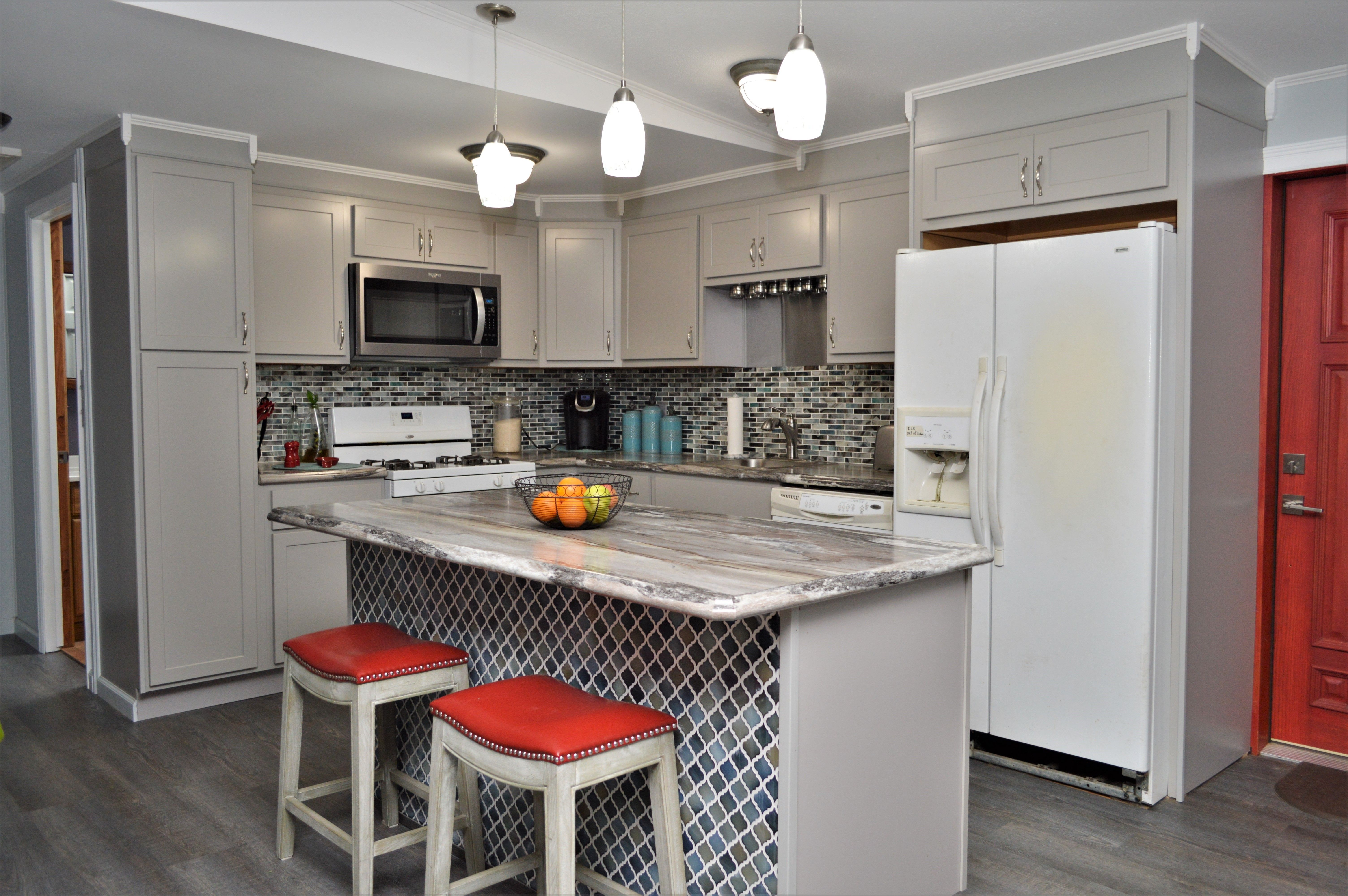 Baileytown Select Maple Limestone Finish Georgetown Door Style Cabinetry Kitchens Bathrooms Home Decor