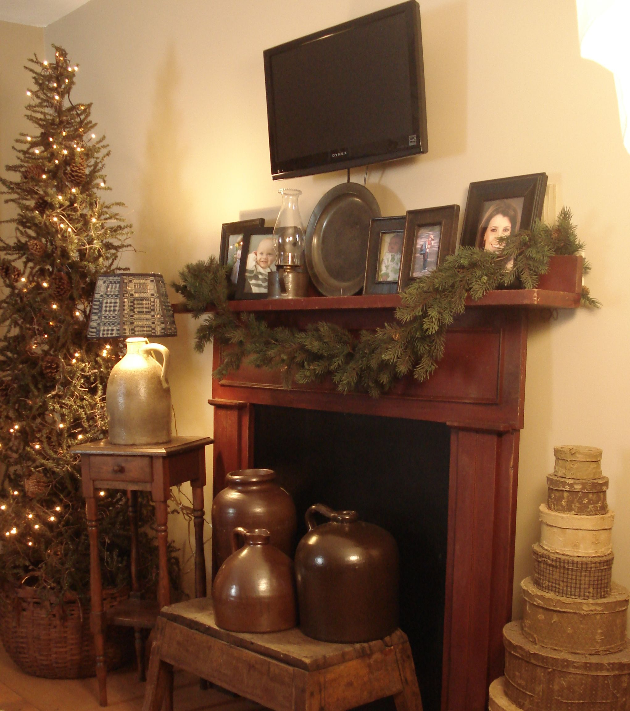 Country Christmas Mantels: Faux Fireplace- Definitely On My Must Do List!