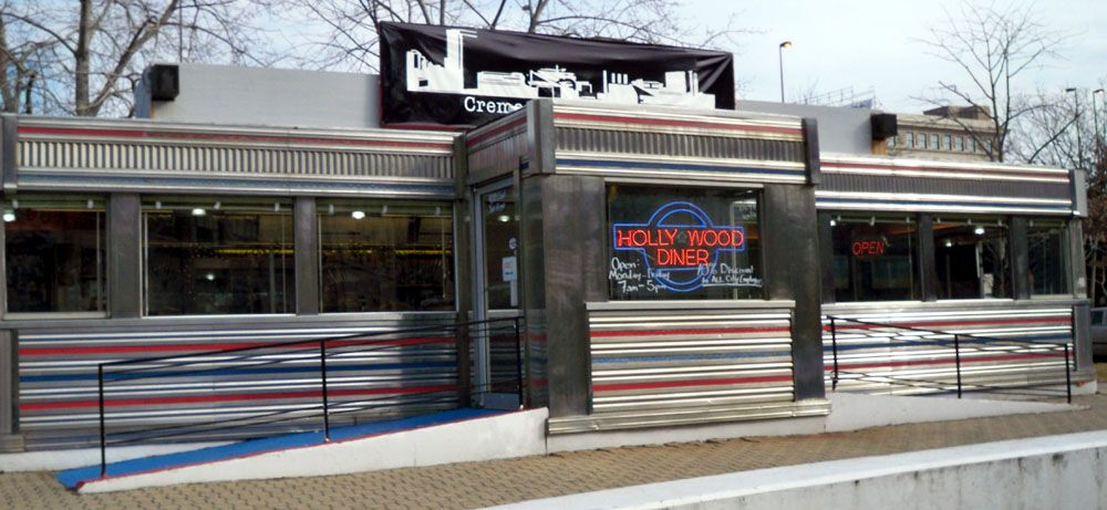 The Hollywood Diner Baltimore Md Which Served As The Fells Point Diner In The 1982 Movie Diner With Images Small Town America Diner Cafe Decor