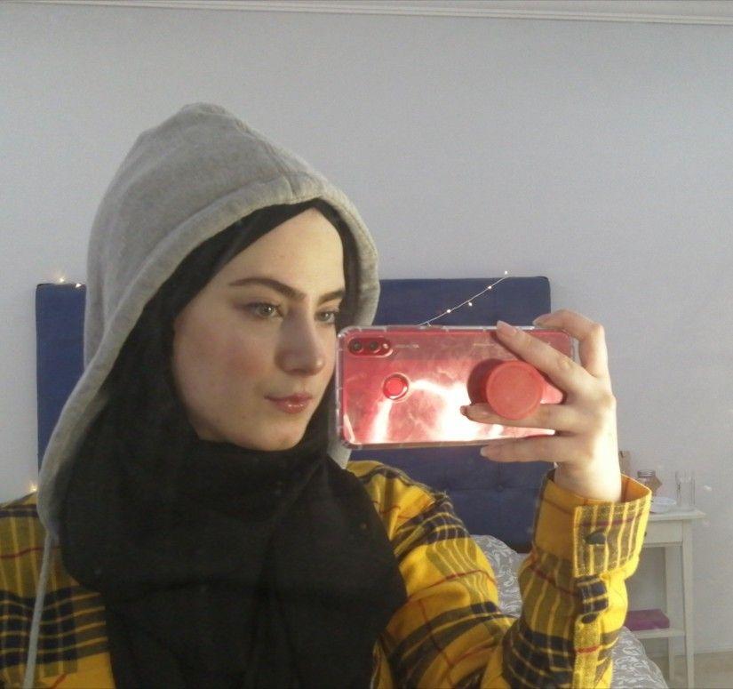 Photo of yellow hijabi ootd