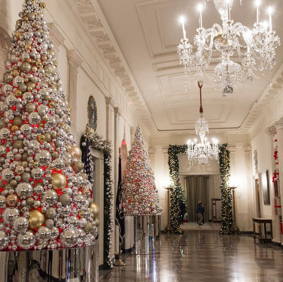 Here\u0027s an Inside Look at the White House Decorated for Christmas