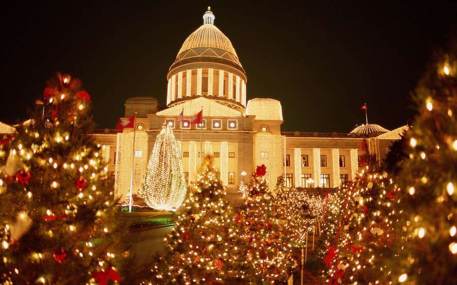 Arkansas State Capitol Building -- The Best Christmas Lights in ...