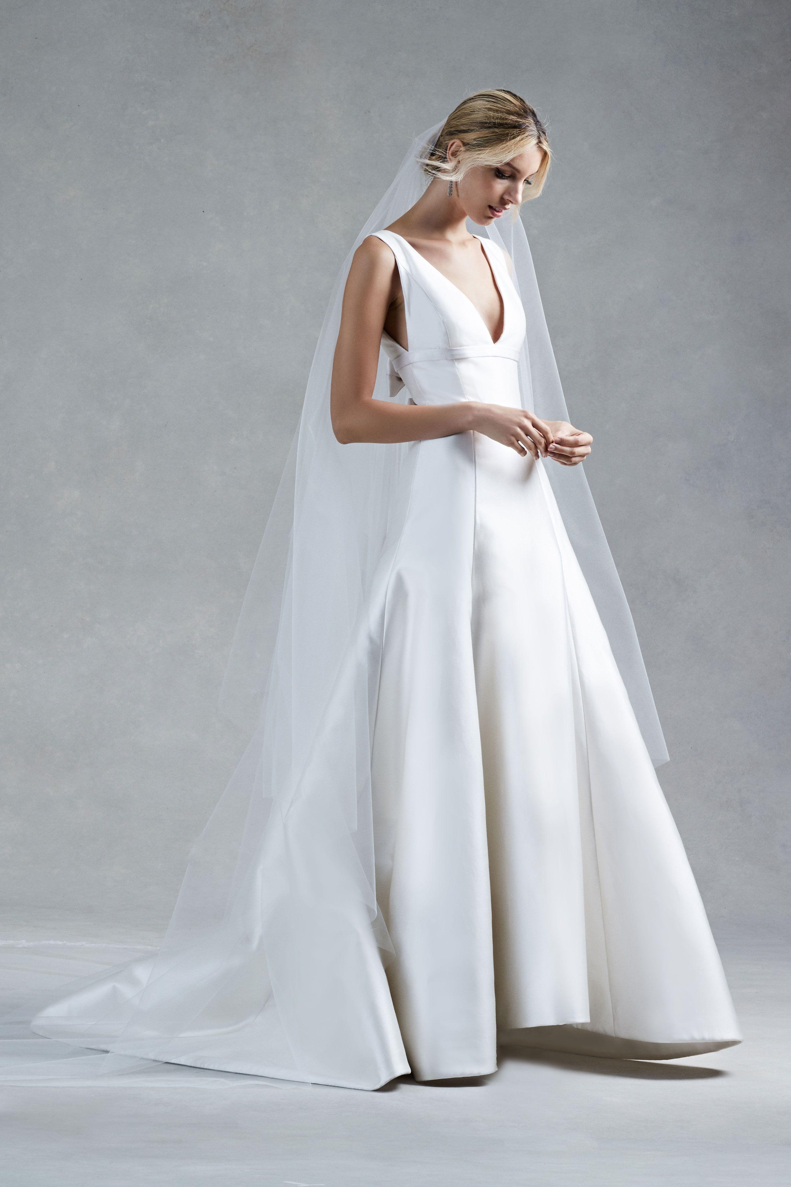 Oscar de la Renta Fall 2017 Bridal. | Brides | Pinterest | Wedding ...
