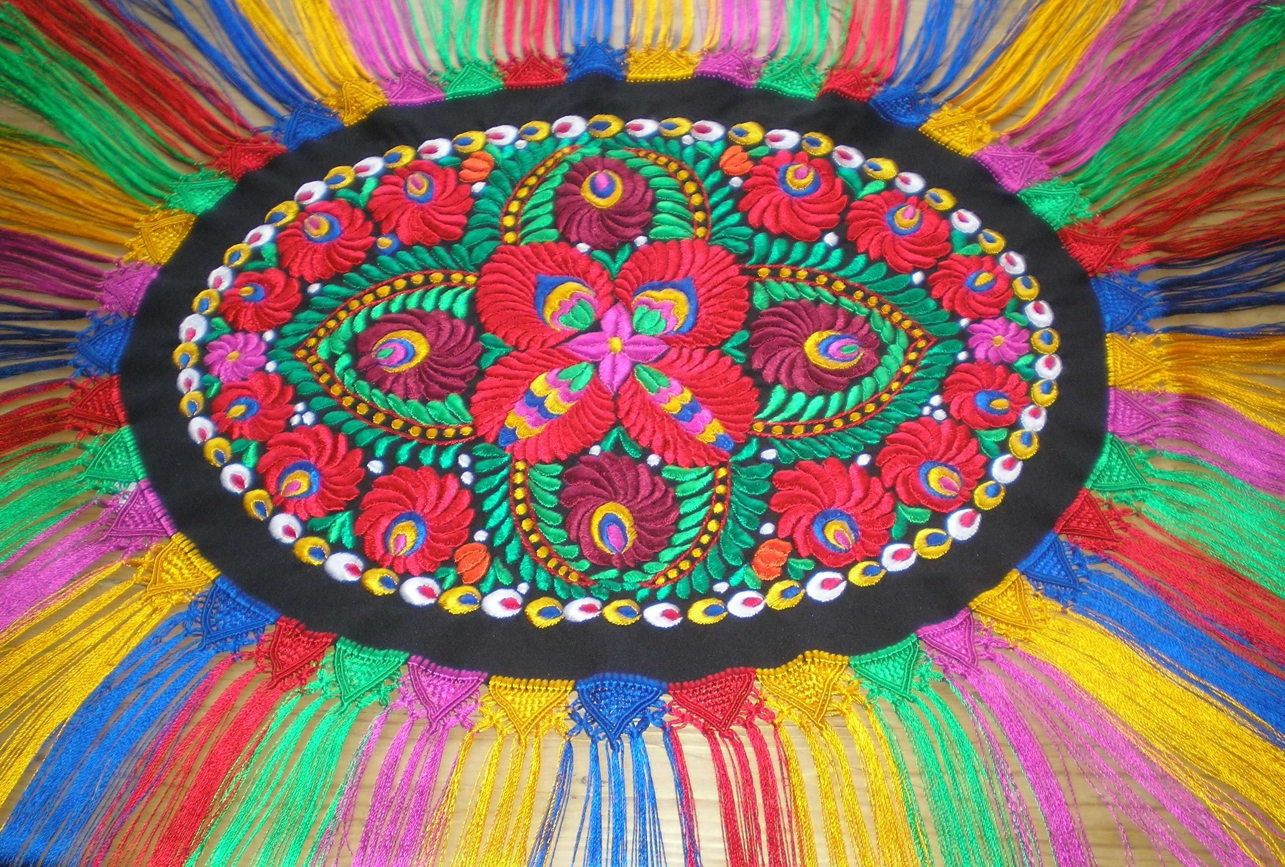 Matyó embroidery from Hungary <3