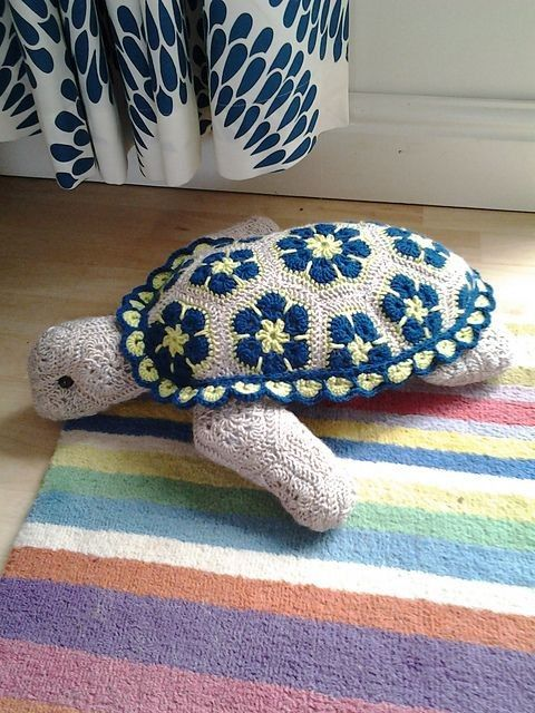 Free Knitting Style Crochet African Flower Turtle Pattern - Crochet Craft, Crochet Animal, Crochet Blanket