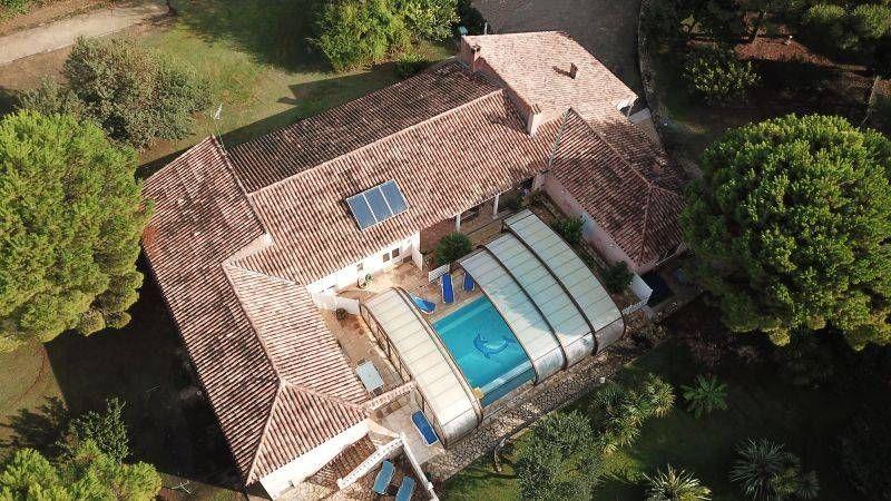 Villa Les Bons Amis 34500 Beziers Gite Beziers Linge De Maison