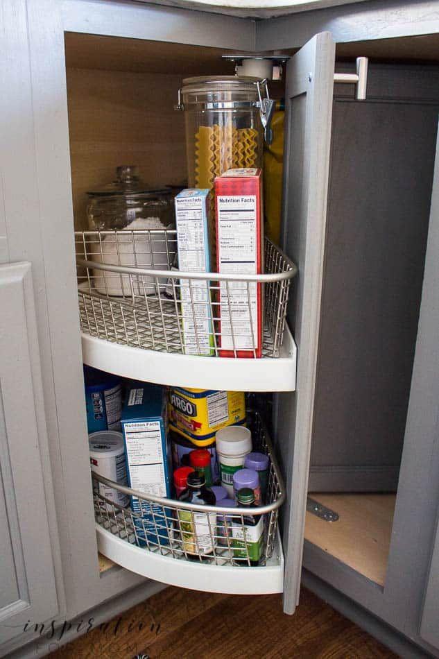 i ve turned a new corner organizing the corner lazy susan inspiration for moms lazy susan on kitchen organization lazy susan id=62064