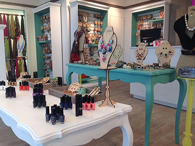 Franquicia kiwi accesorios boutique interior accessories for Franquicias de ropa interior