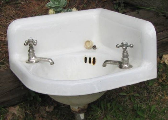 Vintage Cast Iron Bath Room Corner Sink With Vintage Faucets