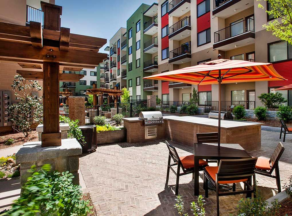 Enjoy The Outdoor Kitchen With Grills At AMLI Ponce Park, Brand New  Apartments In Historic