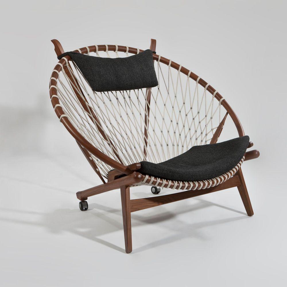 1985 circle chaise par hans wegner h j wegner. Black Bedroom Furniture Sets. Home Design Ideas