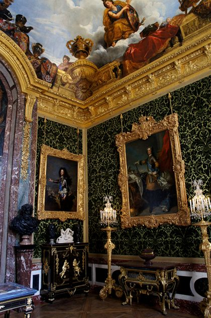 The DiCamillo Companion - The Palace of Versailles