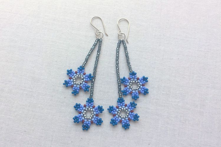 Diy Seed Bead Flower Earrings With Images Beaded Jewelry