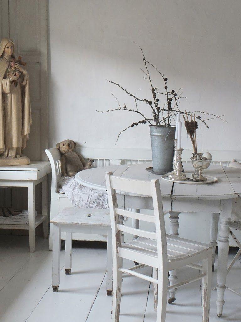 wohnzimmer im shabbychic einrichten, alte weisse Möbel, antike Möbel ...