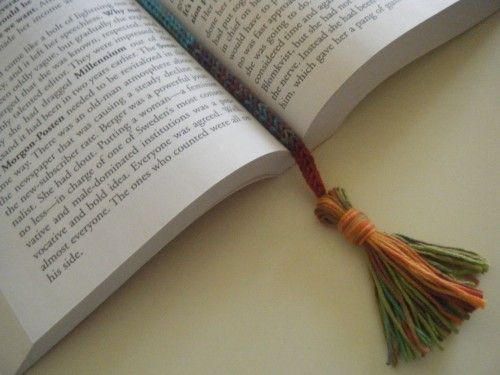 Spool Knitting With Wire : Spool knitted bookmark could make with thin wire as well