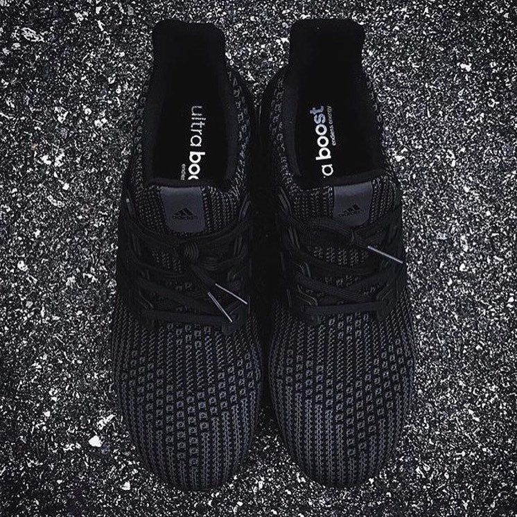 da5c6a11b2013 Adidas Ultra Boost 4.0 x Triple Black